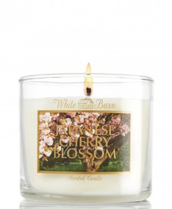 Bath and Body Works Nến Thơm Japanese Cherry Blossom Candle